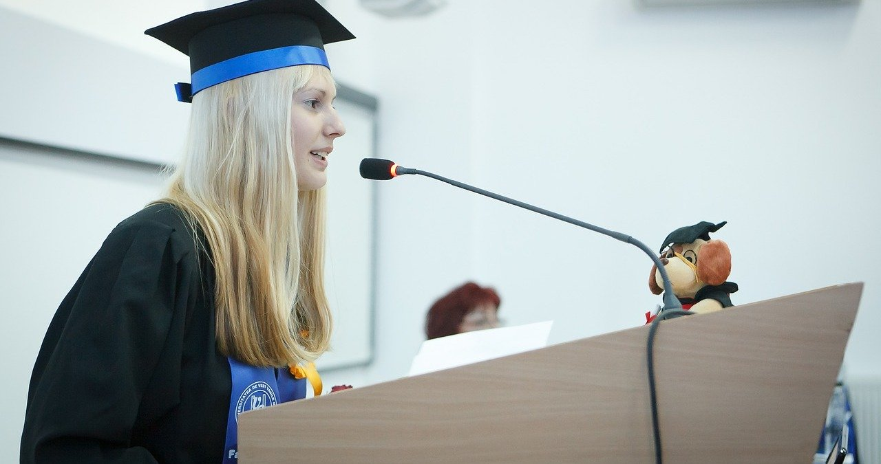 Example Valedictorian Speech by Graduate